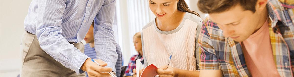 La formación del profesorado para la educación inclusiva: Un proceso de desarrollo profesional y de mejora de los centros para atender la diversidad